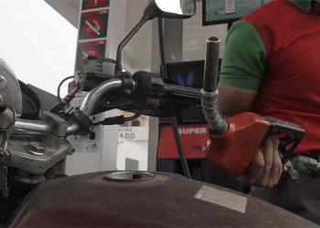 Más de 1,183 millones de lempiras pagaron en mayo los consumidores en impuestos por combustibles.