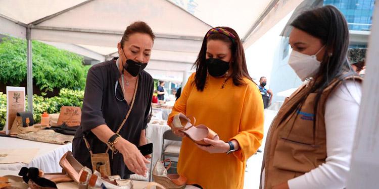 La Feria Vida Mejor Empresarial fue inaugurada por la Primera Dama, Ana García de Hernández, quien destacó el esfuerzo de los microempresarios.