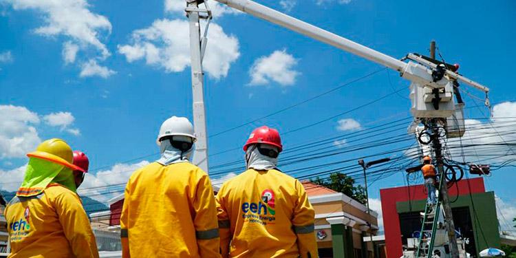 La CREE realizará una revisión para valorar las tarifas de energía eléctrica que consume la población.