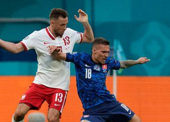 Eslovaquia sorprendió a Polonia.