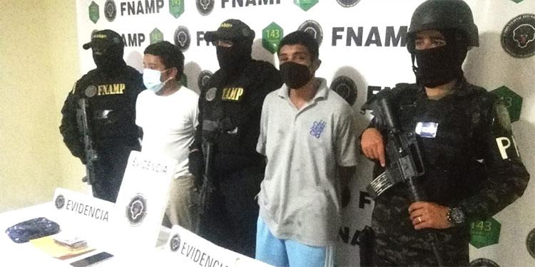 """Darlan Omar Mendoza, alias """"El Negro""""; y Bryan Fúnez Díaz, alias """"Tauru"""", están acusados de extorsión."""
