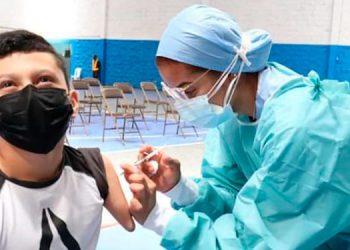 Autoridades han reiterado el llamado al sector de personas con capacidades especiales a que se acerquen a los puestos de vacunación anticovid en la capital.
