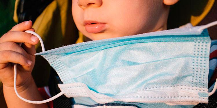 Más de dos mil menores y jóvenes contagiados con COVID-19 tienen de 12 a 18 años.