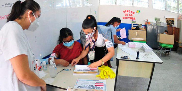 Los tres partidos mayoritarios tendrán un delegado y los minoritarios dos rotatorios entre los 11 institutos emergentes, para un total de cinco representantes en cada mesa electoral.
