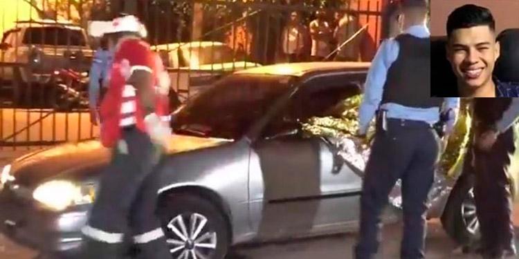 Samuel Antonio Zapata Espinal (21) quedó tendido al interior del automotor.