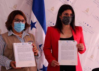 El documento fue firmado por la titular de la Dinaf, Lolis María Sala Montes, y la directora de país de Glasswing International, Michelle Marie Fontecha Sandoval.
