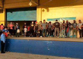 Los 26 nicaragüenses fueron retenidos por las autoridades policiales en el puesto de control de Pavana.
