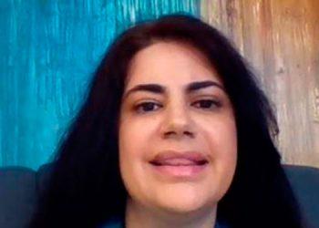 La embajadora Mary Elizabeth Flores.