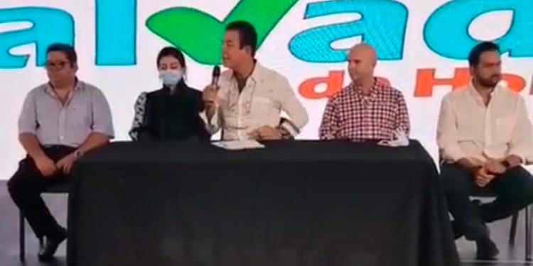 Salvador Nasralla presentó hoy a su director de campaña.