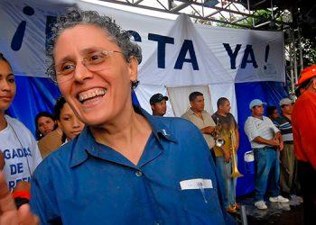La Policía de Nicaragua arrestó este domingo a otros cuatro dirigentes opositores al gobierno del presidente Daniel Ortega, incluidos los exguerrilleros sandinistas disidentes Dora María Téllez y Hugo Torres. (LASSERFOTO EFE)