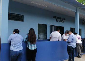 """Remodelado está el local que ocupa en centro de salud con fondos de la Fundación """"Juntos Podemos""""."""