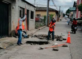 Varias pastillas de concreto se encuentran en mal estado en este sector céntrico de la ciudad de Siguatepeque.