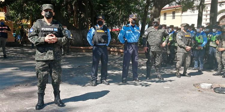 Autoridades militares y policiales se congregaron en el parque La Libertad, en Comayagüela, para el lanzamiento oficial de las operaciones.