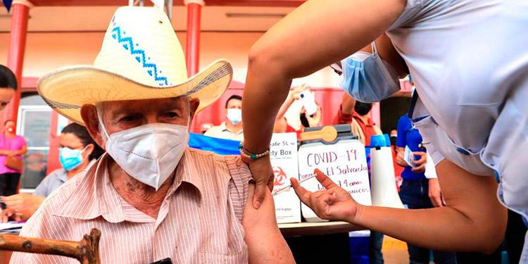 Las segundas dosis se aplicarán a partir del 14 de julio, en los municipios que recibieron vacunas donadas por El Salvador.