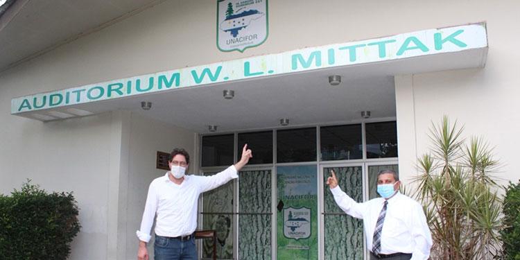 El auditorio central de la Unacifor lleva el nombre del director Internacional, Dr. Wilhem L. Mittak, de origen alemán, quien se destacó por sus valiosos aportes educativos a esa casa de estudios superiores.