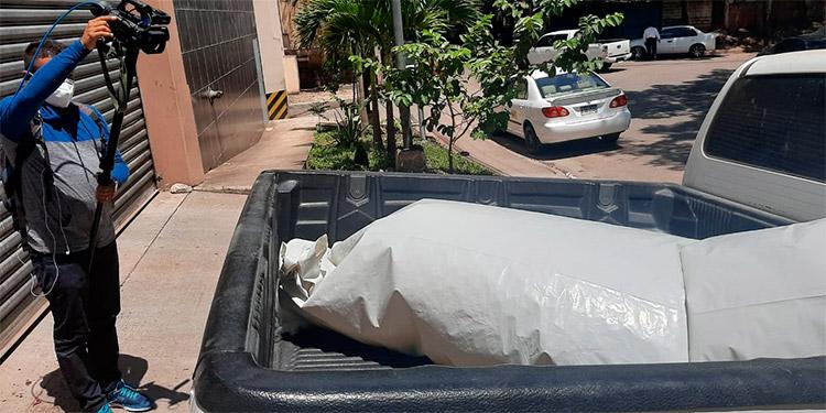 Los cuerpos de los reos ingresaron a la morgue capitalina para la respectiva autopsia y se espera sean reclamados por sus parientes.