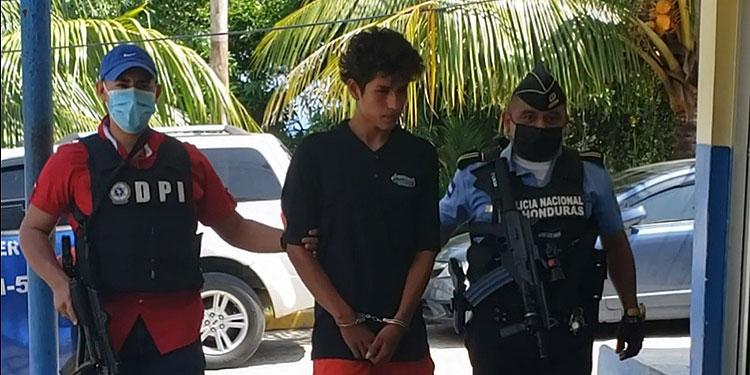 La DPI pondrá al detenido Jacob Betuel Umaña Álvarez a la orden de entes operadores de justicia para que se proceda conforme a ley.