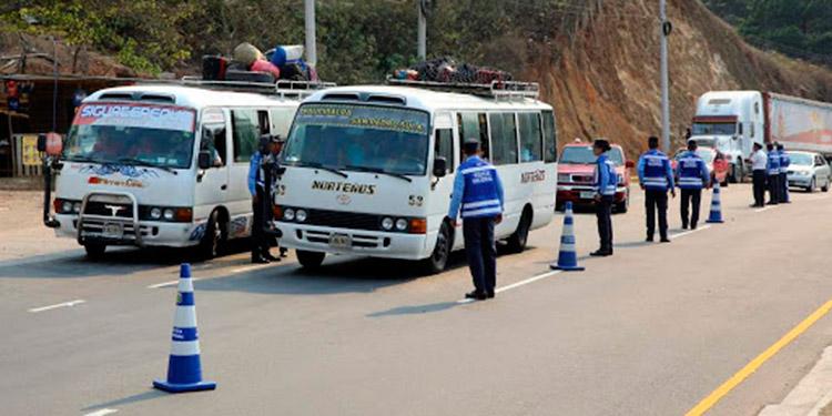 Ante el aumento de accidentes, la Policía Nacional recomendó conducir con precaución, para proteger la vida.