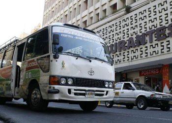 Los taxistas mantienen protestas desde la semana pasada, para exigir el pago de bonos solidarios al gobierno.