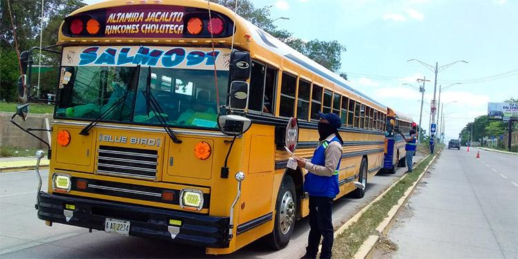 Los transportistas forman parte de un rubro de alto riesgo de contagio durante la pandemia de la COVID-19.