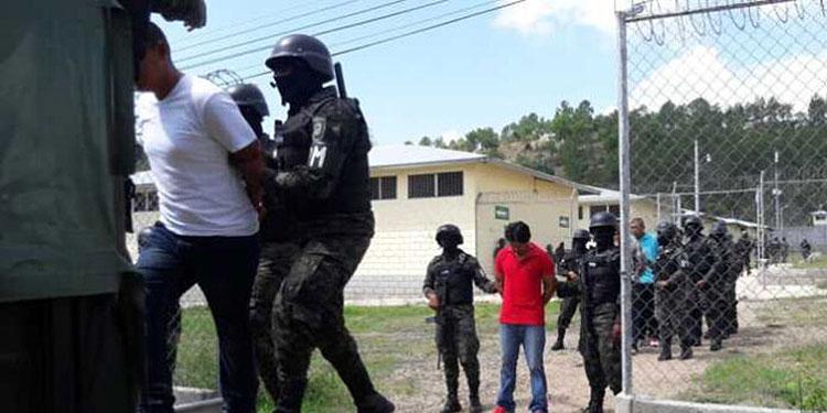 El traslado de los reclusos lo realizaron miembros de Fusina, en apoyo a los agentes del Instituto Nacional Penitenciario (INP).