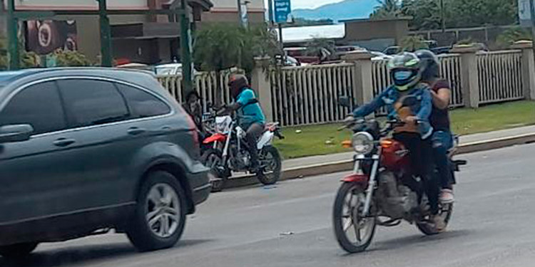 """Solo una persona en """"moto"""" y no dos solicitarán autoridades de Fusina al Congreso Nacional."""