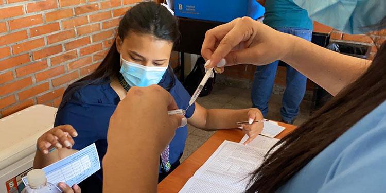 Las vacunas donadas por México permitirán continuar con el proceso de inmunización a grupos prioritarios.
