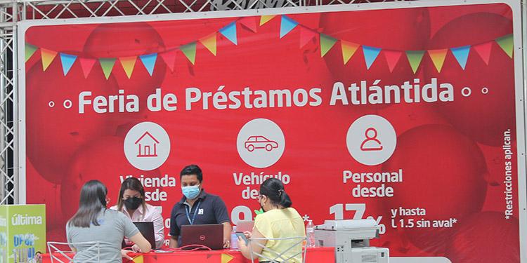 Visita la Feria de Préstamos Atlántida y solicita asesoría financiera personalizada para obtener un préstamos de vivienda, auto, y préstamo personal con beneficios únicos y tasas preferenciales.