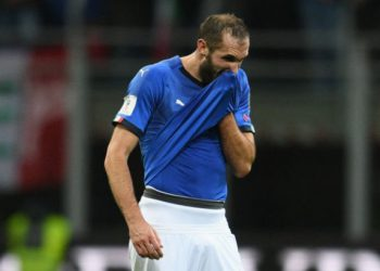 MILAN, ITALY - NOVEMBER 13:  Giorgio Chiellini of Italy dejected at the end of the FIFA 2018 World Cup Qualifier Play-Off: Second Leg between Italy and Sweden at San Siro Stadium on November 13, 2017 in Milan, Italy.  (Photo by Claudio Villa/Getty Images)