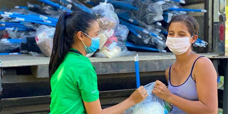 Junto a los contenedores con ayuda humanitaria, los azucareros también han mantenido los proyectos de infraestructura escolar, informó la Funazúcar.