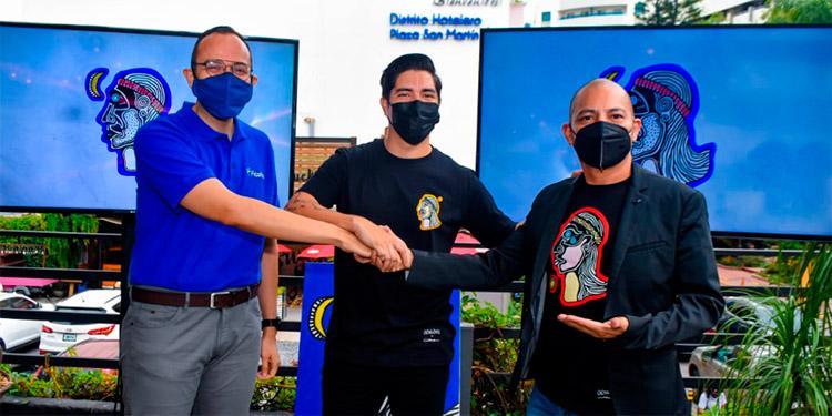 Leonel Rivas, gerente de Mercadeo de Ficohsa; Daniel Galeano y el artista hondureño Ciserón.