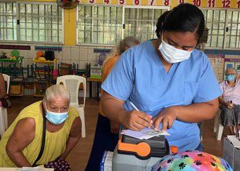 La quinta jornada de vacunación se estará desarrollando en tres centros de San Pedro Sula: UNICAH, UTH y Triaje Norte, bajo las modalidades peatonal y vehicular.