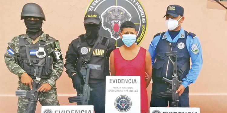 """La DPI le seguía la pista a Axel Asdrual Medina Maradiaga (18), alias """"El Negro"""", por presunta participación en algunos homicios."""