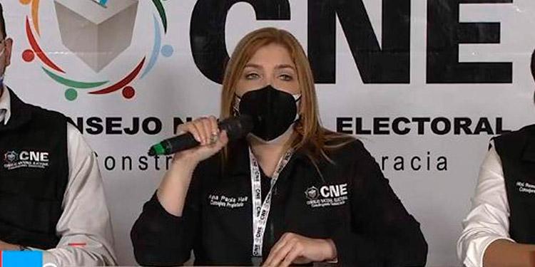 Ana Paola Hall.