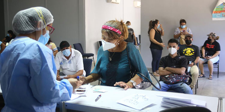 Los casos de COVID-19 han subido levemente en San Pedro Sula, ya que tras vacunarse, la población ha descuidado su bioseguridad.