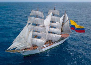 En el buque también se forman uniformados hondureños de la Fuerza Naval de Honduras.