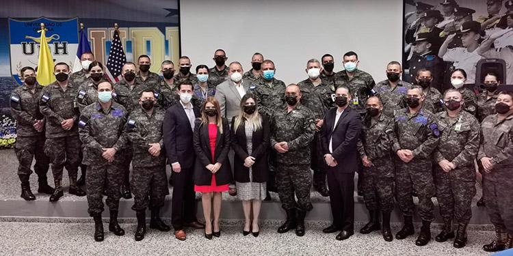 El seminario se realizó en la Universidad de Defensa de Honduras.