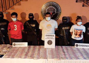 Con casi medio millón de lempiras fueron detenidos los tres miembros de la Mara Salvatrucha (MS-13).