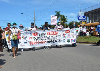 La marcha pacífica inició frente al Palacio de Justicia de la ciudad de Choluteca.