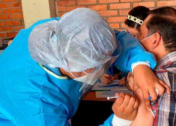 Desde febrero, cuando llegaron las primeras vacunas anticovid al país, un 2.05 por ciento de la población ya cuenta con sus dos dosis.