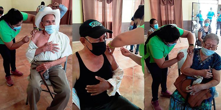 Los pobladores de 10 municipios de Colón acudieron desde tempranas horas a vacunarse en los distintos centros.