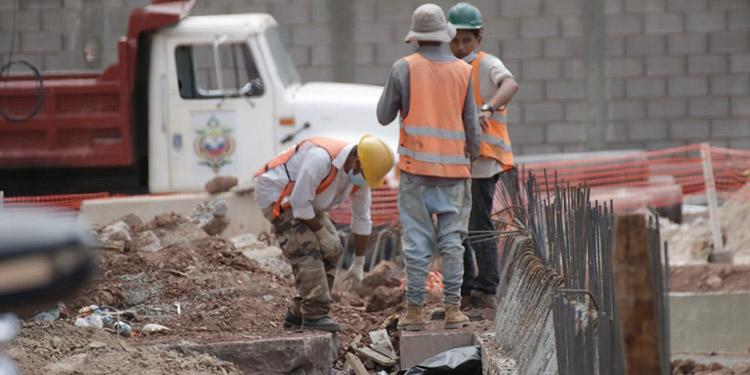 La campaña masiva de vacunación empezará la próxima semana en la capital y San Pedro Sula anuncia el sector de la construcción civil.