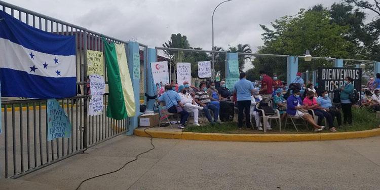 """Los sindicalistas del hospital """"Gabriela Alvarado"""", en Danlí, El Paraíso, se declararon en asambleas informativas."""