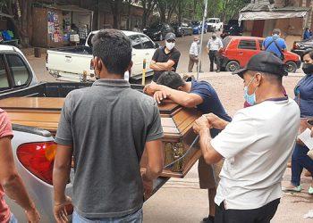 Parientes del motociclista ayer mismo retiraron su cadáver de la morgue capitalina, sumamente consternados, para darle cristiana sepultura.