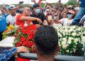 Cientos de coterráneos, entre familiares y amistades, asistieron a las honras fúnebres en memoria de la abogada y excongresista Carolina Echeverría Haylock.