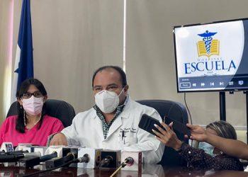 Las autoridades del centro asistencial van a replantear las estrategias de atención ante el alza de contagios y hospitalizaciones.