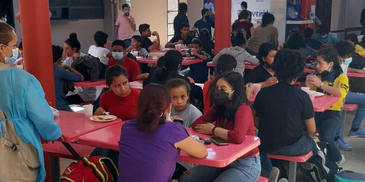 Los menores y sus familiares recibieron asistencia en el Centro de Atención para la Niñez y Familia Migrante Belén.