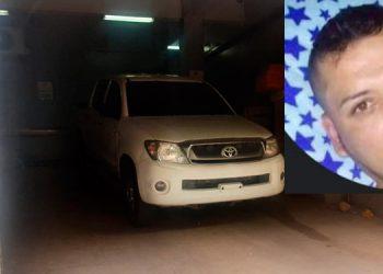 El cuerpo del joven fue ingresado como desconocido a la morgue, pero lo identificaron como Hermes Noé Carranza Velásquez (foto inserta).