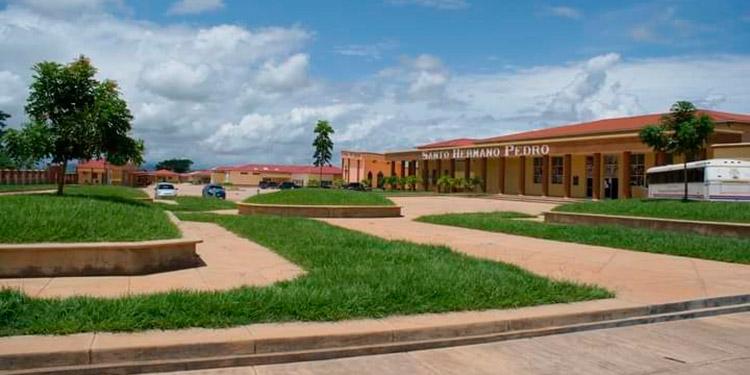 El Hospital Hermano Pedro de Catacamas, a diario atiende a niños por casos de diarrea y recibe menores y adultos por dengue.