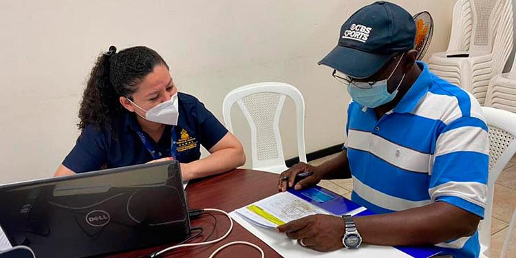 La ventanilla está disponible en las instalaciones de la Cámara de Comercio de Roatán y los transportistas evitan trasladarse a San Pedro Sula o La Ceiba.